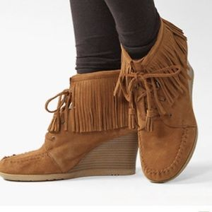 Minnetonka Suede Fringe Lace Up Wedge Ankle Bootie